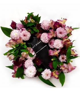 پکیج هدیه عطر و گل آلسترومریا و داوودی مینیاتوری