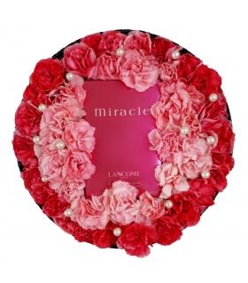 پکیج هدیه عطر و گل میخک مینیاتوری با مروارید