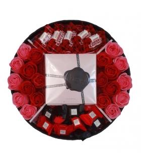 گیفت ست عطر و شکلات با گل صابونی